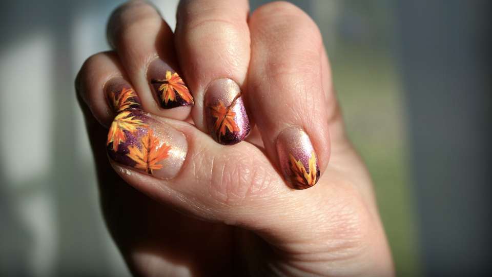 10 Colourful Fall Nail Art Ideas - Sparkly Polish Nails