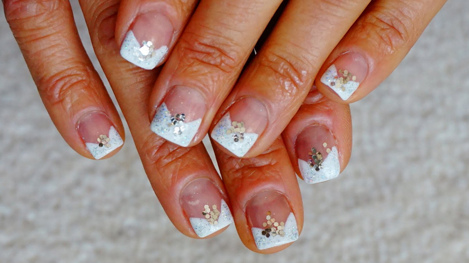 10 Wedding Nail Ideas To Bright The Celebration - Sparkly Polish Nails