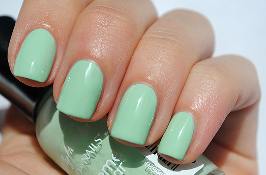 Sally Hansen Mint Sorbet Nail Polish