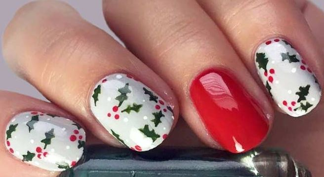 How To Do Christmas Holly Nail Art