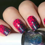 Interlocking Dots Nail Design