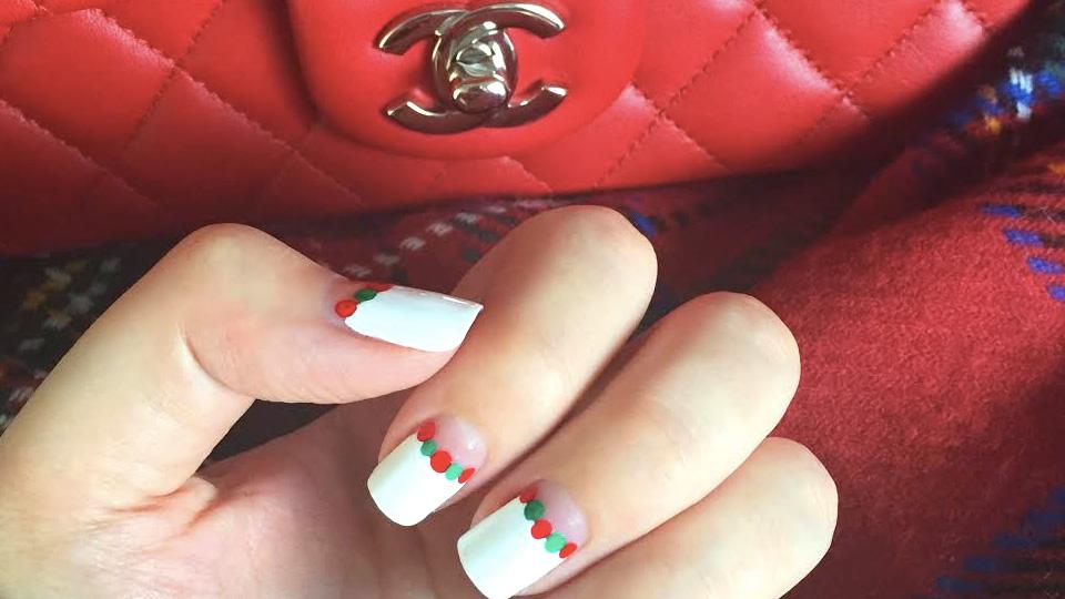 10 Christmas Nail Art Ideas to Meet Santa