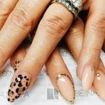 Can you embed nail art in gels?